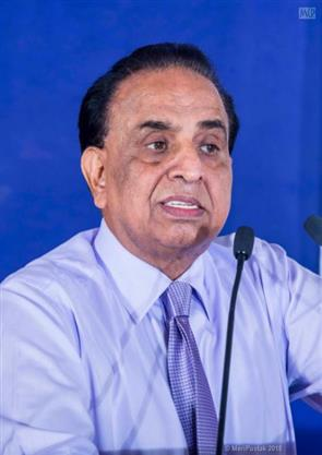 Dr-Girish-Ahuja_100